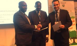 Fonroche Solar Lighting concludes a partnership with the Ivorian Minister of Transport at COP22