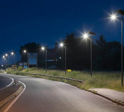 Powerful public lighting of a road