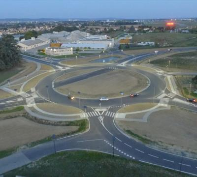 Public solar lighting of the Roquefort roundabout