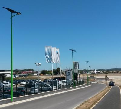 Outdoor solar lighting of the Champnier comercial area